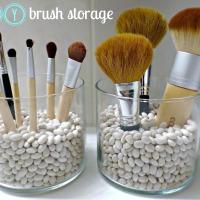 DIY Makeup Brush Storage