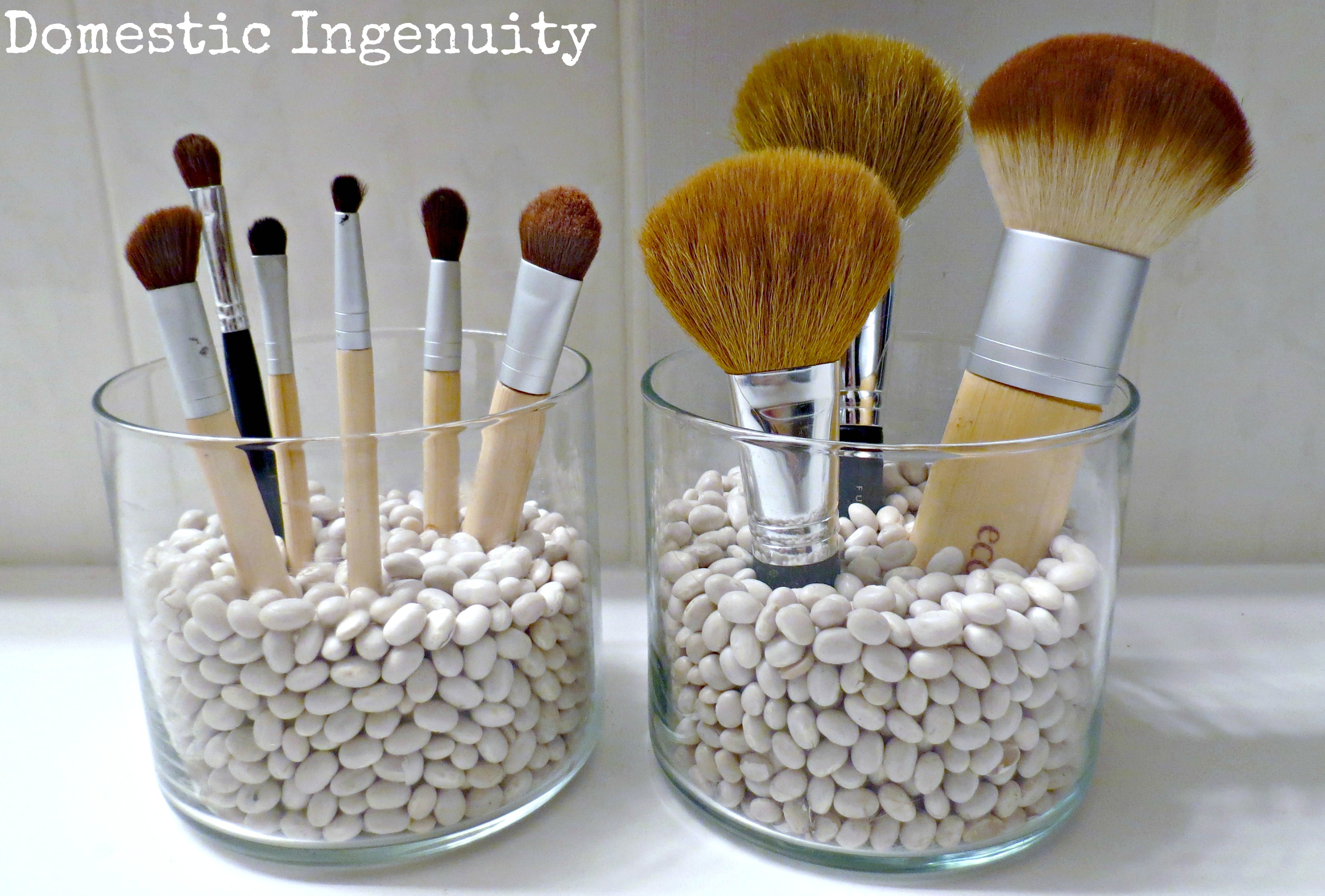 DIY Makeup Brush Storage